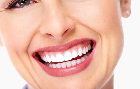 لبخند لثه ای چیست